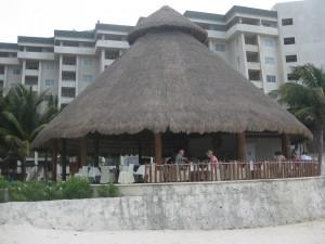 Restaurant at the Pool / Beach!