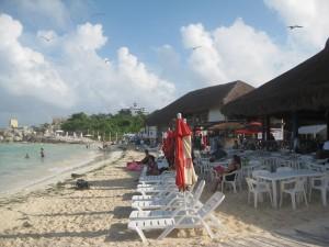 Camastros en Playa Tortugas,Cancun