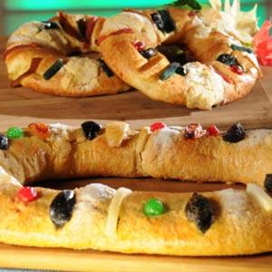 Mmm... delicious Rosca de Reyes!
