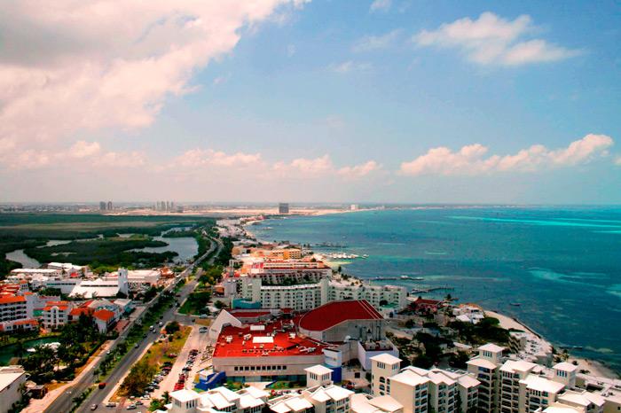 hurricane ernesto cancun